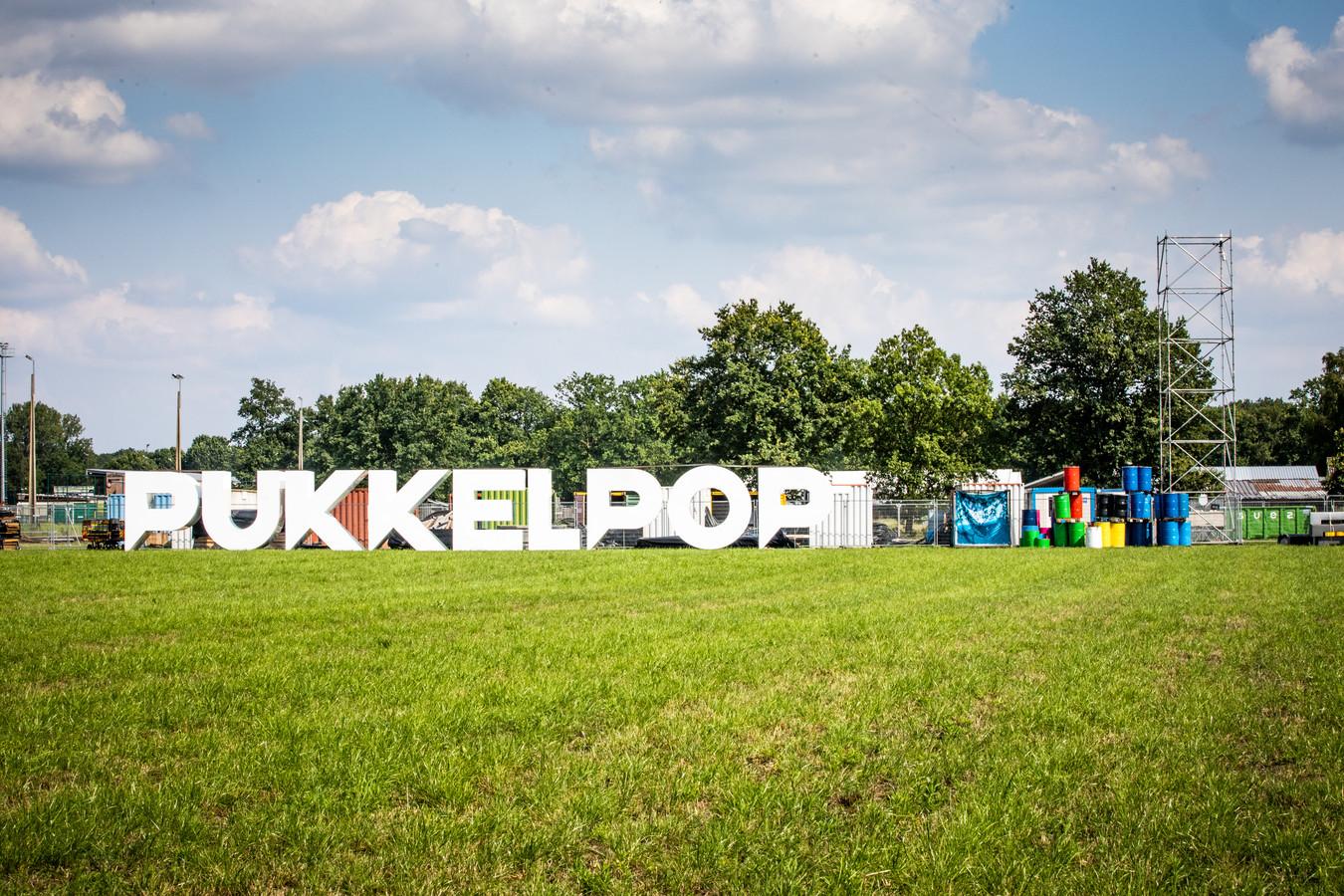De opbouw van Pukkelpop werd gisteren stilgelegd.