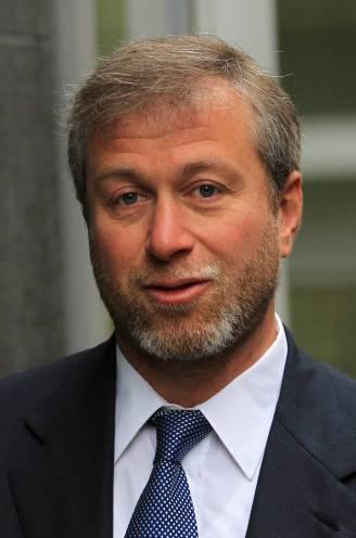 Kocht Abramovich Chelsea op bevel van Poetin? Russische miljardair ontkent beweringen van Britse schrijfster en dient klacht in