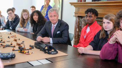 Koning Filip bezoekt opleidingsateliers voor jongeren