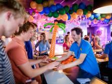 Weer ouderwets feesten in Denekamp: 'Bezoekers vlogen mij om de hals van blijdschap'