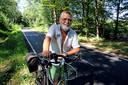 Achille Gulickx, onderweg vanuit Breda naar Baarle-Hertog over de fietsallee door de Chaamse Bossen.