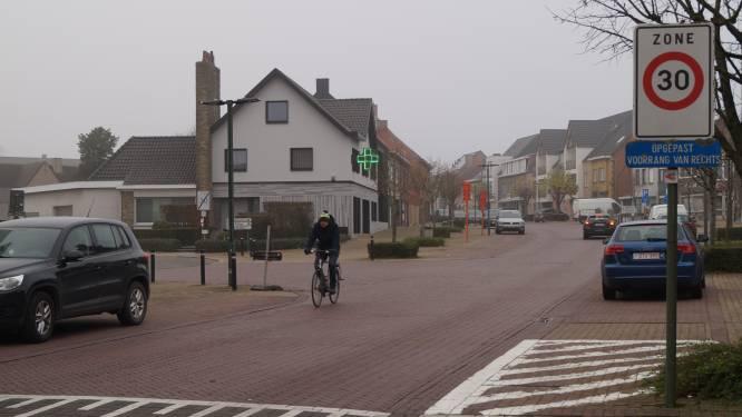 Meer zwaar verkeer in Tieltstraat: burgemeester wil hard optreden tegen overtreders
