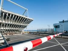 Voorlopig staat de brug bij Bruinisse nog omhoog: 'Alleen voor een test gaat hij open en dicht'