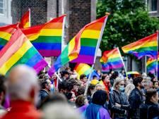 Regenboogvlag wappert in aanloop naar achtste finale Oranje: 'Statement tegen anti-homowet is belangrijk'