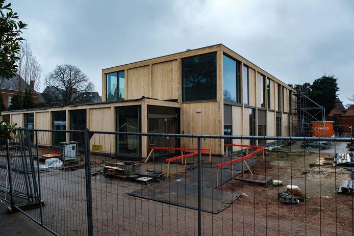 Het nieuwe vrijetijdscentrum Kruispunt in Edegem is bijna klaar.
