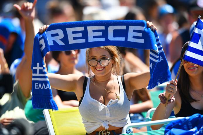 Een Griekse fan van Stefanos Tsitsipas.