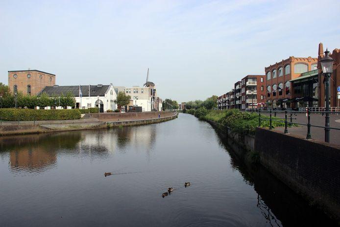 Kop van de Leurse Haven met uitzicht op molen de Lelie en het Turfschip (rechts), Etten-Leur, stockbnds, stockadr