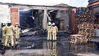 Brand in loodsen waarbij lichaam werd aangetroffen was aangestoken