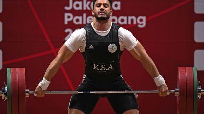 Iraans olympisch kampioen verbetert oudste wereldrecord in gewichtheffen