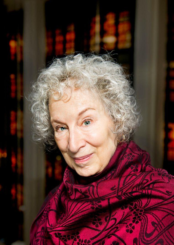 Margaret Atwood: 'Als Clinton was verkozen, en niet Trump, dan zouden vrouwen nu nooit verkleed als dienstmaagden de straat op zijn gegaan.' Beeld Linda Nylind / Eyevine