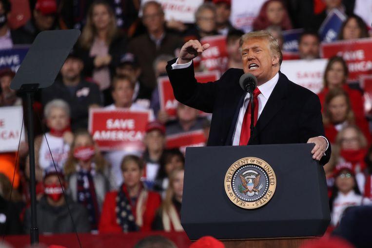 Trump tijdens de rally in Georgia. Beeld AFP