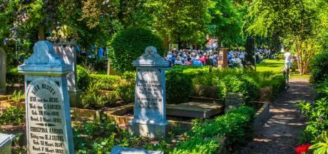 'Miskleun' woontoren naast oude begraafplaats Hengelo niet weggepoetst