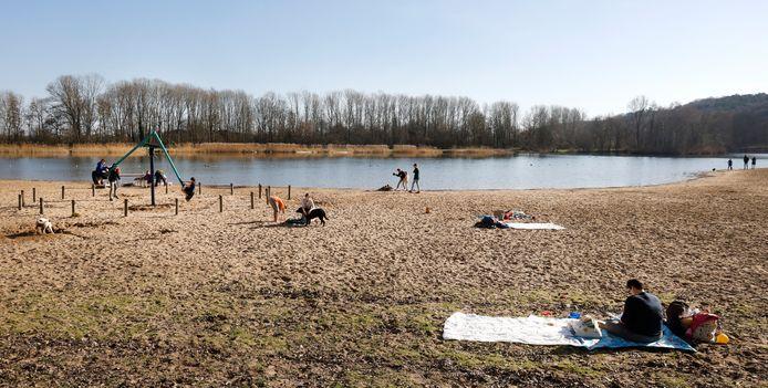 Het Wylerbergmeer zondagmiddag.