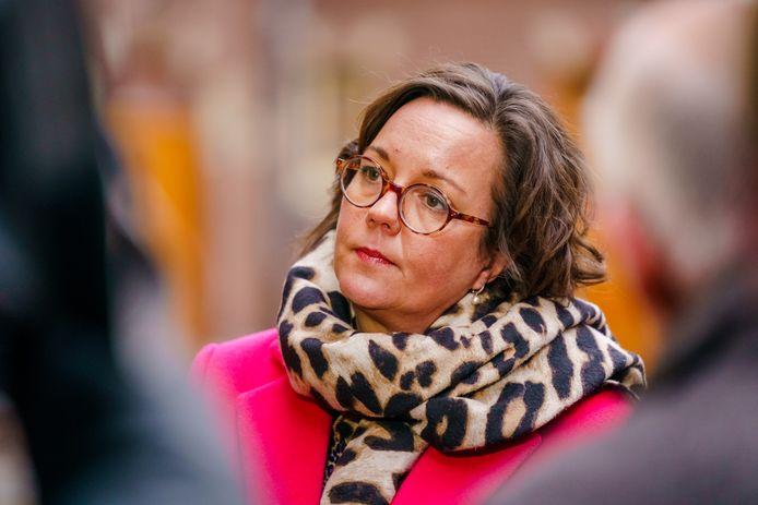 Minister Tamara van Ark op het Binnenhof in Den Haag voorafgaand aan de ministerraad. De running mate van Mark Rutte koestert haar West-Brabantse roots.