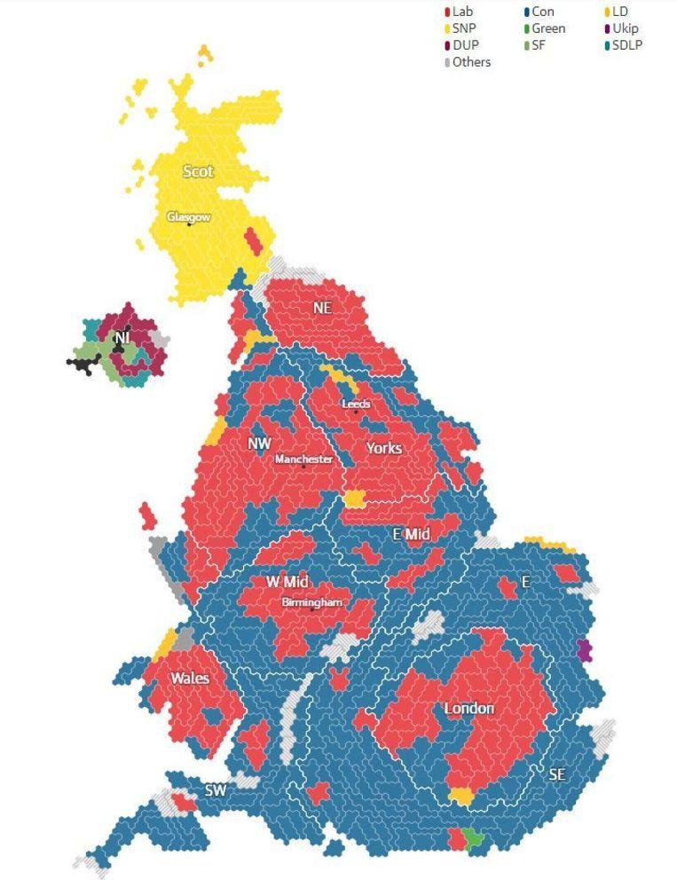 De verkiezingskaart van The Guardian op dit moment. Blauw staat voor de Conservatives, rood voor Labour, geel voor de SNP. Beeld The Guardian