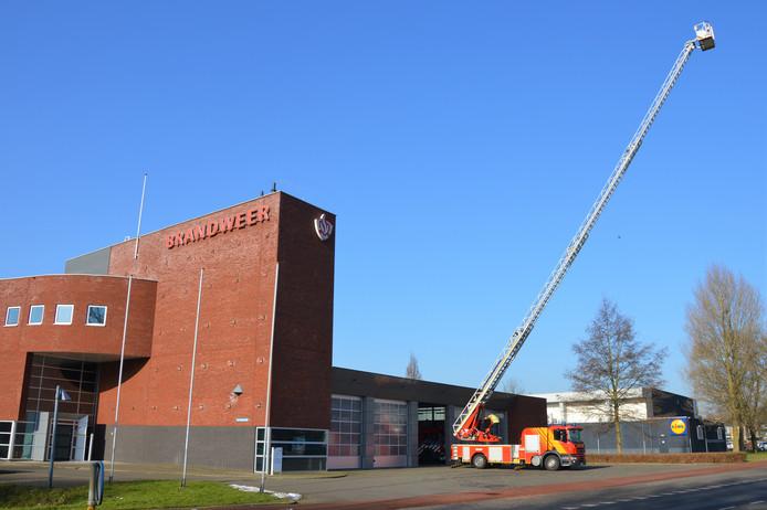 Nederlandse brandweerkorpsen huren soms Duitse voertuigen in. Bijvoorbeeld in afwachting van een nieuwe wagen of zoals in Nijmegen als de eigen wagen een grote onderhoudsbeurt nodig heeft.