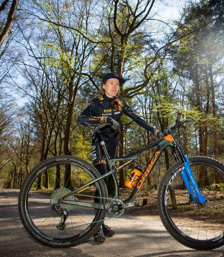 Mountainbikester Lotte Koopmans voor het eerst naar EK