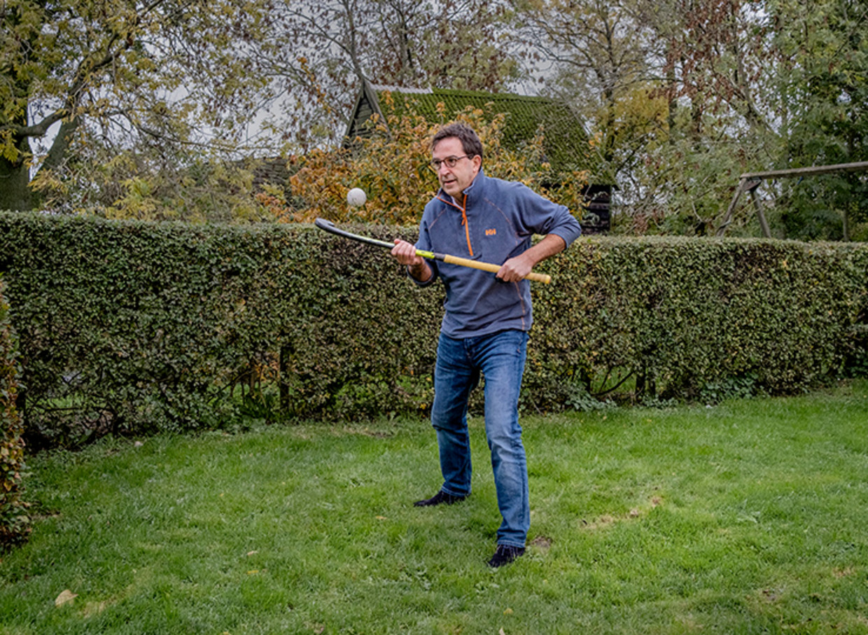 Diederik Gommers, arts van het Erasmus MC in Rotterdam is als voorzitter van de Nederlandse Vereniging voor Intensive Care bijna permanent bezig met de coronapandemie. In het weekend mist hij het hockeyen met de veteranen van Souburgh.