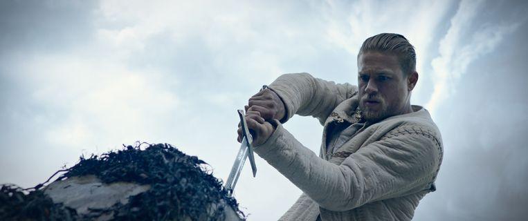 Charlie Hunnam in King Arthur: Legend of the Sword. Beeld