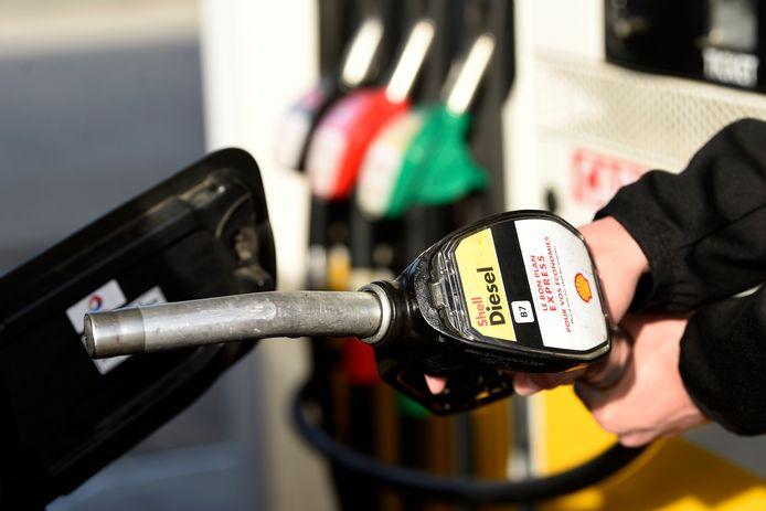 """Selon une étude réalisée pour la Commission européenne, l'impact climatique des biocarburants est nettement moins bon que celui des carburants fossiles, à l'inverse de leur image de carburants """"verts""""."""