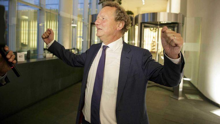 GroenLinks-fractievoorzitter Bram van Ojik staat in het ministerie van Onderwijs de pers te woord na afloop van het overleg met minister Jet Bussemaker over de invoering van een sociaal leenstelsel voor studenten. Beeld anp