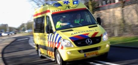 Fietsster (32) gewond na aanrijding met auto in Rotterdam-Zuid
