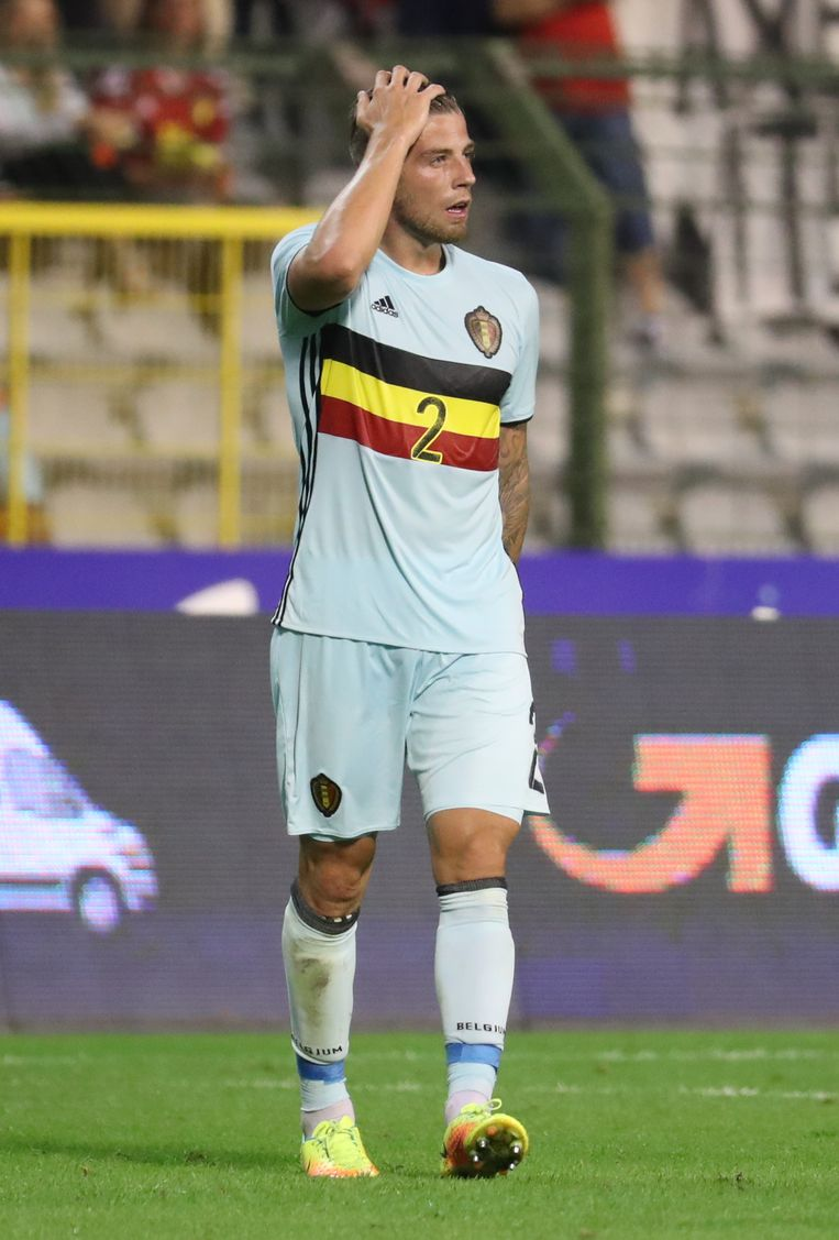 Belgium's Toby Alderweireld looks dejected after a friendly match between Belgian national soccer team Red Devils and Spain, on Thursday 01 September 2016, in Brussels. BELGA PHOTO VIRGINIE LEFOUR Beeld null