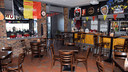 Het café van Miloheem kreeg een nieuw plafond en werd helemaal opgefrist.