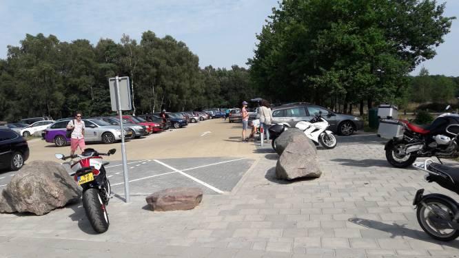 Te veel auto's en motoren verstoren de Posbank: gaat het gebied nu helemaal op slot?