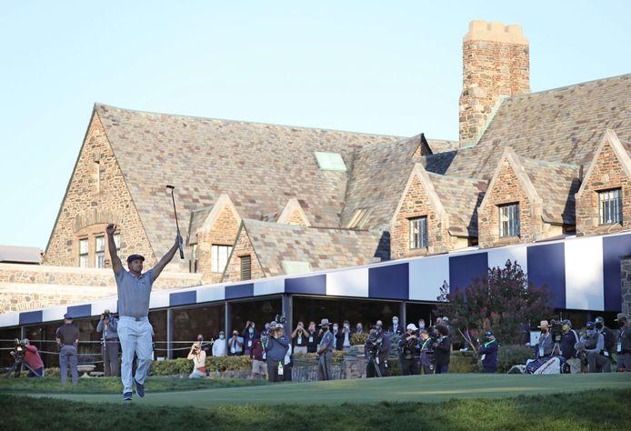 Bryson DeChambeau viert zijn winst van de 120ste US Open.
