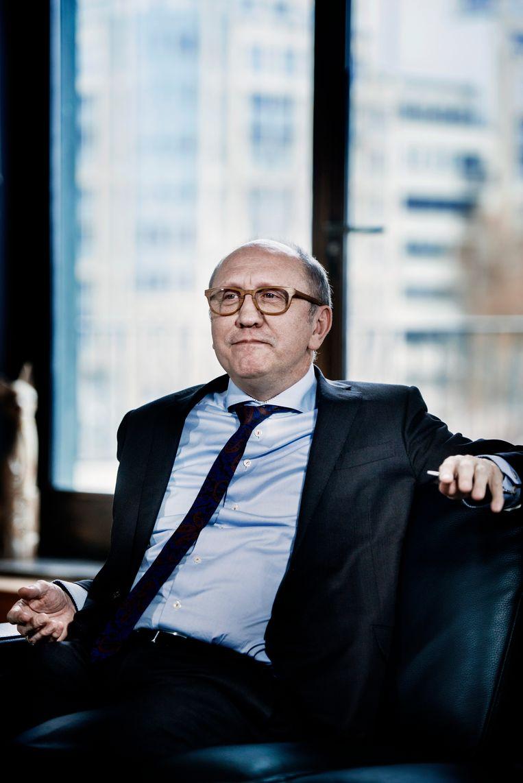 Johan Vande Lanotte (sp.a) werd er ooit ervan beschuldigd dat hij als minister een miljoenensubsidie toekende aan Electrawinds, waar hij nadien voorzitter werd. Beeld Eric de Mildt