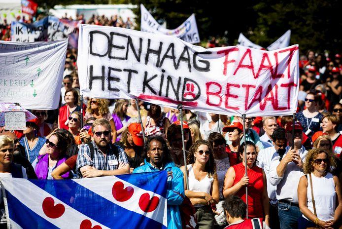 Jeugdzorgwerkers staakten vorig jaar voor het eerst in de Nederlandse geschiedenis vanwege crisis in de jeugdzorg.