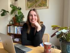 Gemeenteraadslid Janneke leert jongeren een fijn lesje politiek op TikTok en gaat viral