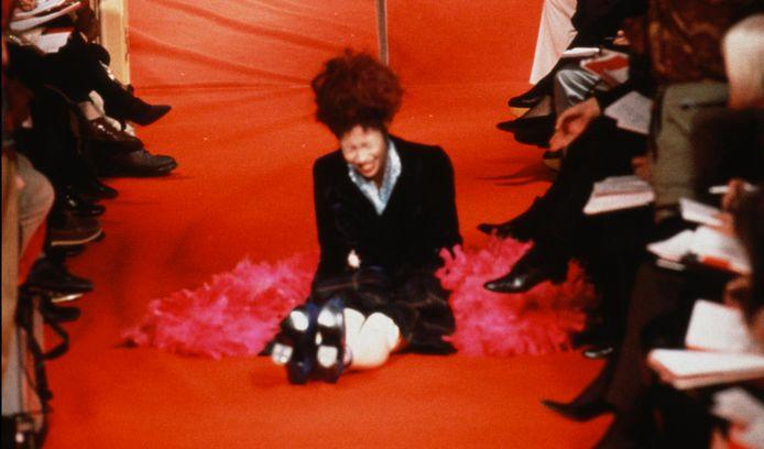 Naomi Campbell op de catwalk voor Vivienne Westwood in 1993.