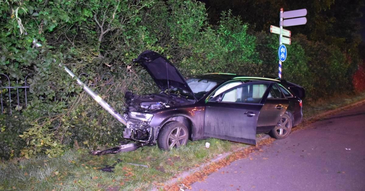 Twee bestuurders gewond bij ongeluk op Rijksweg in Malden, bijrijders komen met de schrik vrij.