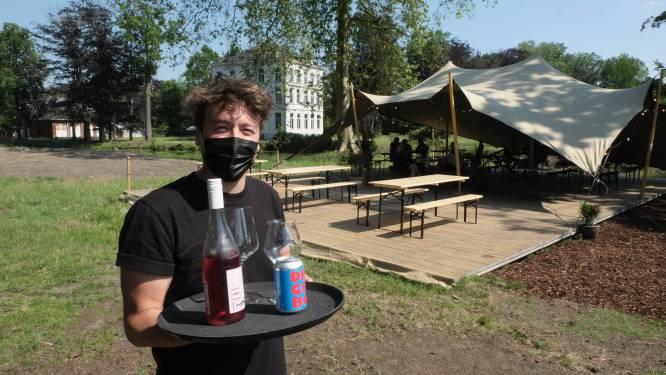 """Bar Estivo opent pop-up op kasteeldomein Ravenstein: """"Prachtige omgeving met veel passerende fietsers en wandelaars"""""""