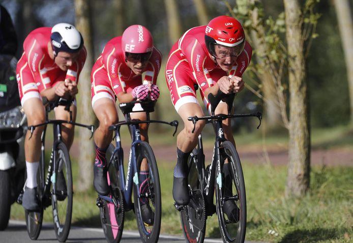 Magnus Cort (centraal en Mikkel Bjerg (rechts) namen ook deel aan de mixed team relay, samen met Mathias Norsgaard Jørgensen (links).