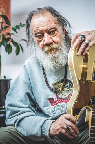 """""""Soms lig ik al om zeven uur in mijn bed"""": levende muzieklegende Roland Van Campenhout na een jaar zonder optredens"""