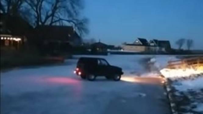 Filmpje van Nederlandse waaghals die door het ijs zakt met zijn jeep gaat viraal