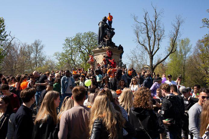 Koningsdag 2021 in het Vondelpark.