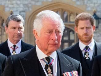 """Prins Charles wil verzoening met zoon Harry: """"Hij heeft hem uitgenodigd voor een wandeling"""""""