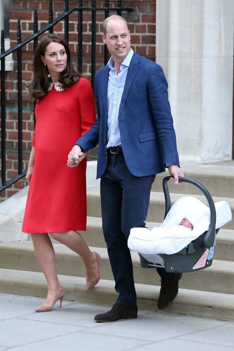 Prins William en Kate met hun pasgeboren baby.