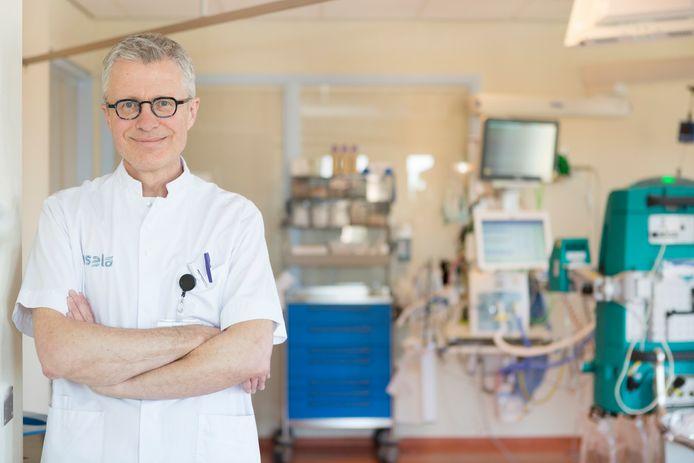 Hans ter Haar, IC verpleegkundige en beademingsspecialist van Isala.