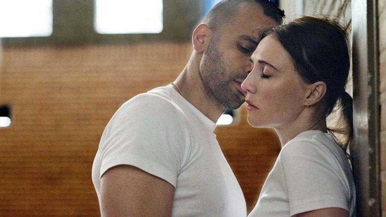 Marwan Kenzari en Carice van Houten in Instinct. Beeld