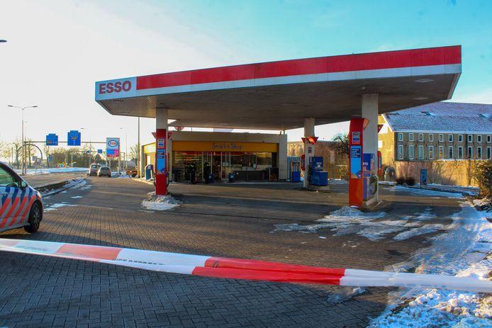 Het Esso-tankstation aan de Schoonhovenseweg in Gouda werd op 14 februari overvallen.