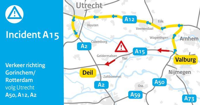 Omleiding op de A15 na een ongeluk bij Wadenoijen.
