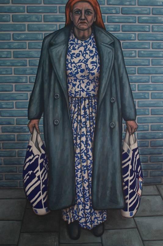 Een vrouw met twee boodschappentassen, genaamd Aldi, van kunstenaar Suidman.
