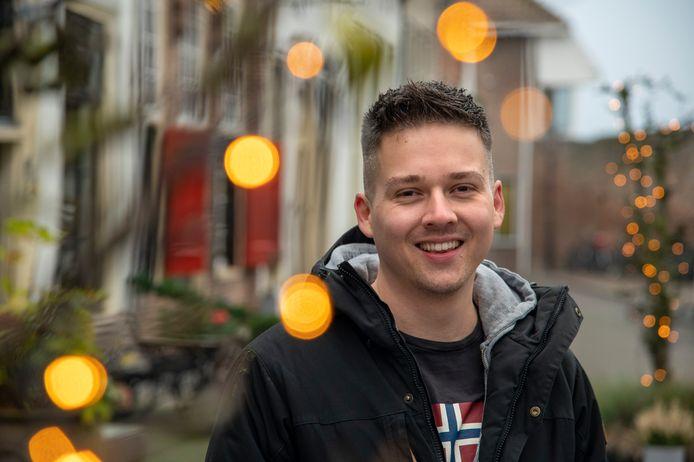Hjalmar Vogel uit Harderwijk organiseert een lichtroute door de stad. Negen gebouwen staan vanaf 18 december zes weken lang, van zonsondergang tot middernacht, in een ander licht.