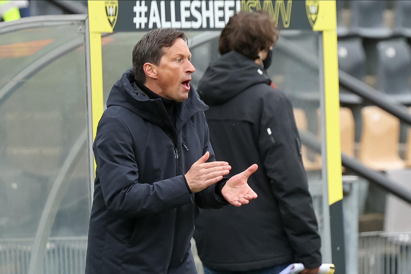 PSV-trainer Roger Schmidt tijdens VVV-PSV.