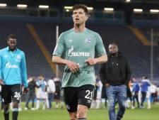 Trainer en spelers Schalke 04 na degradatie mishandeld door eigen fans: 'Worden nu thuis beveiligd'
